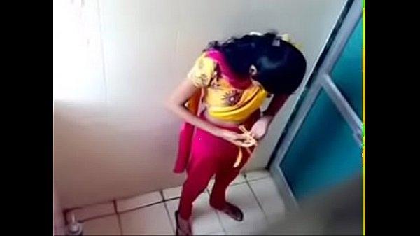 Скрытая камера в туалете общаги