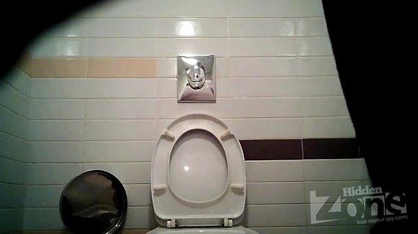 Скрытая камера универы женские туалеты