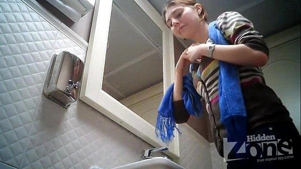 Письки туалет скрытая камера