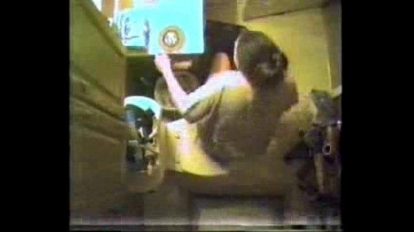 Женский туалет скрытой камерой смотреть снизу бесплатно