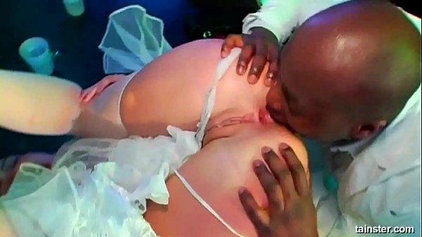 Реальное видео секса в клубе