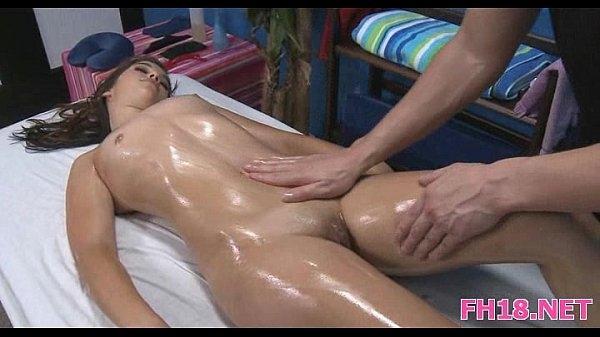 Секс массаж голых девушек