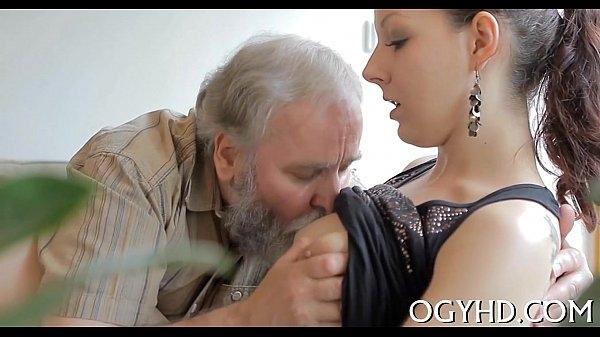 Молодые девушки секс домашняя видео