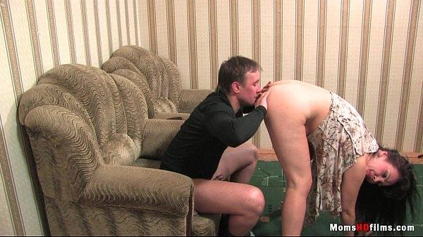 Секс с подругой жены в сауне